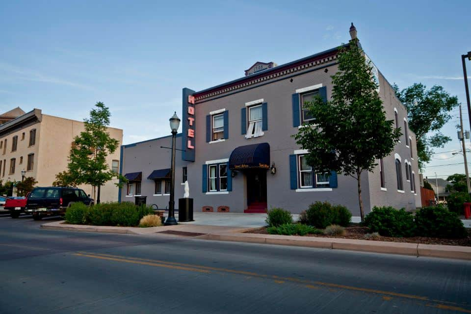 historic melrose hotel downtown grand junction colorado. Black Bedroom Furniture Sets. Home Design Ideas